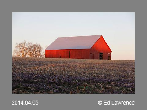 photo of a barn in Kentucky, by Ed Lawrence