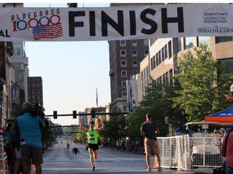 Image of bluegrass 10K racer