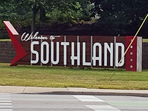 Southland Drive sign